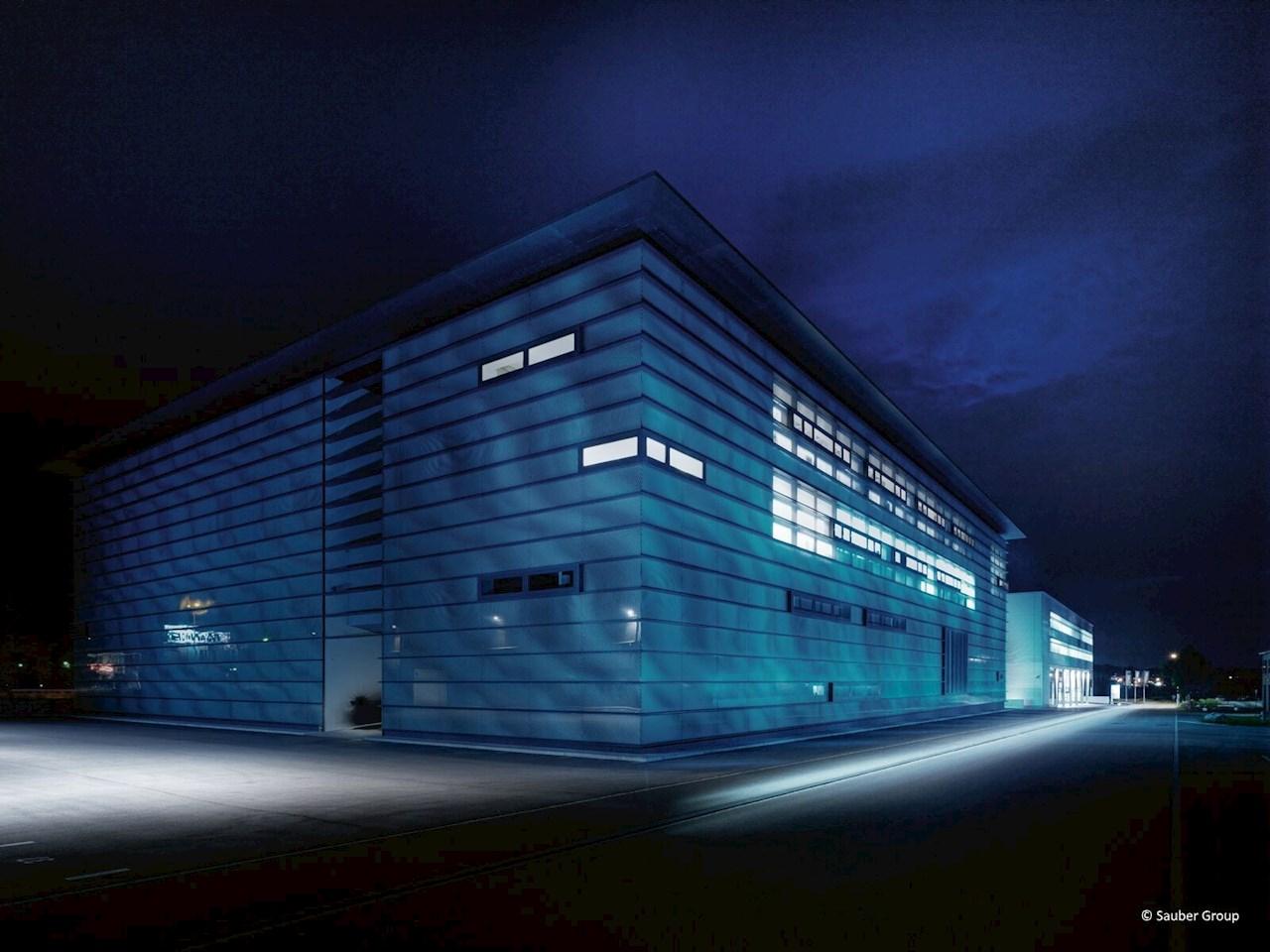 Az ABB globális technológiai partnerként csatlakozott a Sauber Engineeringhez