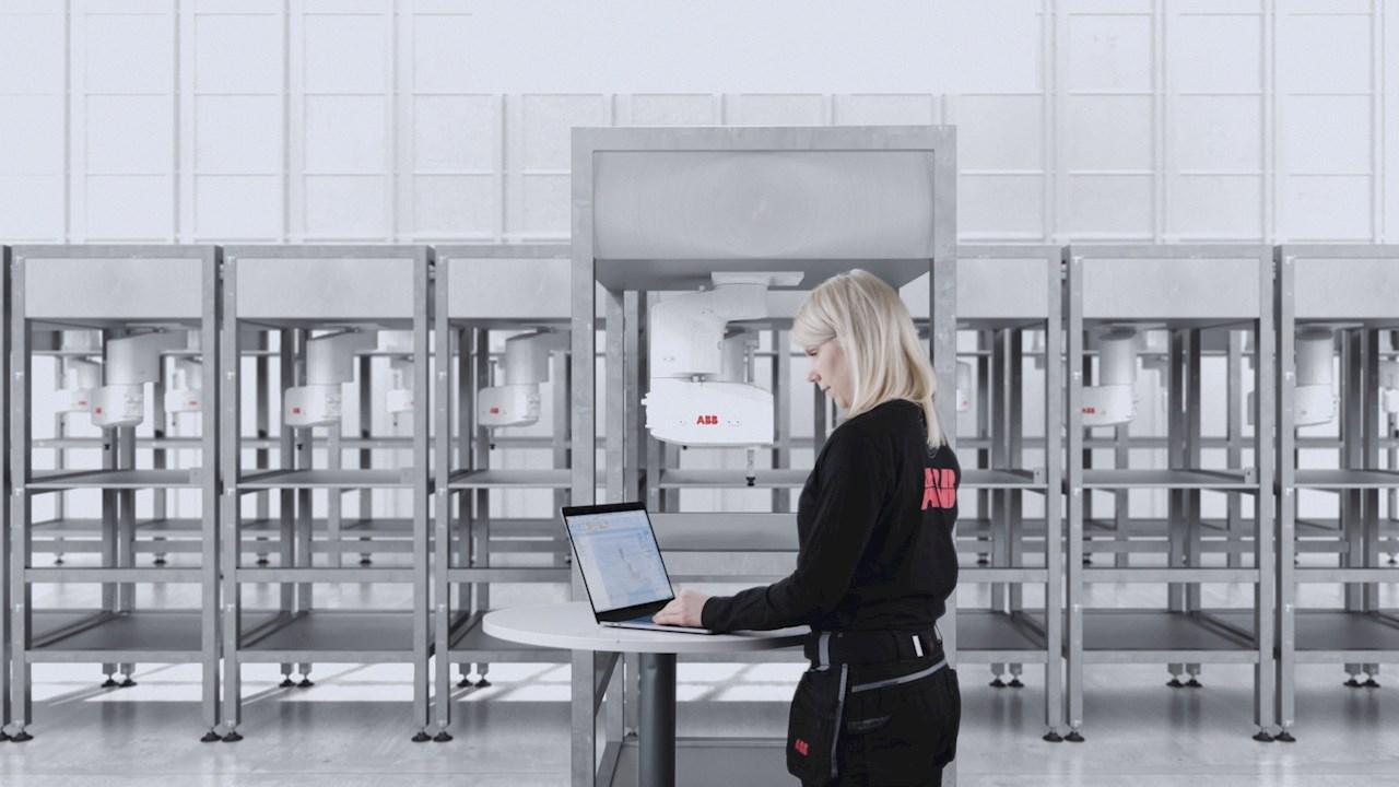ABB hat ihre Simulations- und Offline-Programmiersoftware RobotStudio® um das Add-on Robot Control Mate erweitert. Damit lassen sich SCARAs einfach vom PC oder Laptop aus in Betrieb nehmen und bedienen.