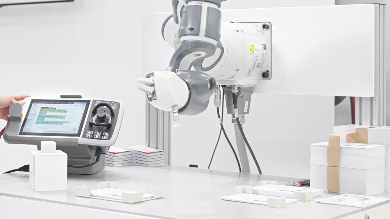 ABB makes robot programming more intuitive with Wizard Easy Programming software