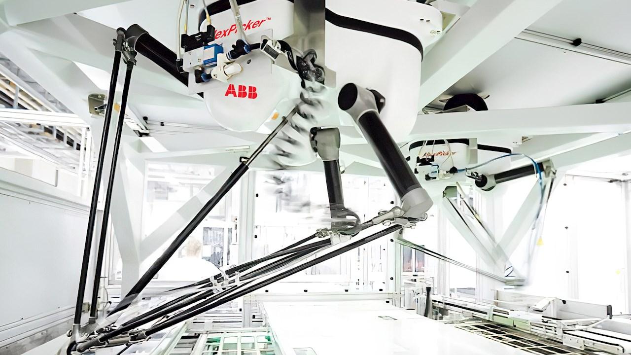 """ABB potenzia l'offerta di robot per """"picking e packing"""" per trasformare la gestione degli ordini omnicanale e la logistica del retail"""