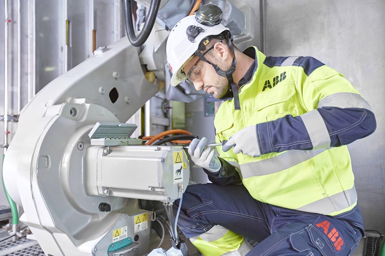 Der Geschäftsbereich Robotik und Fertigungsautomation von ABB bietet ab sofort ein maßgeschneidertes Lösungspaket für Unternehmen, deren Produktion im Zuge der COVID-19-Pandemie wochen- oder monatelang stillgestanden hat. Es soll sie dabei unterstützen, den Betrieb schnell und reibungslos wiederaufzunehmen.