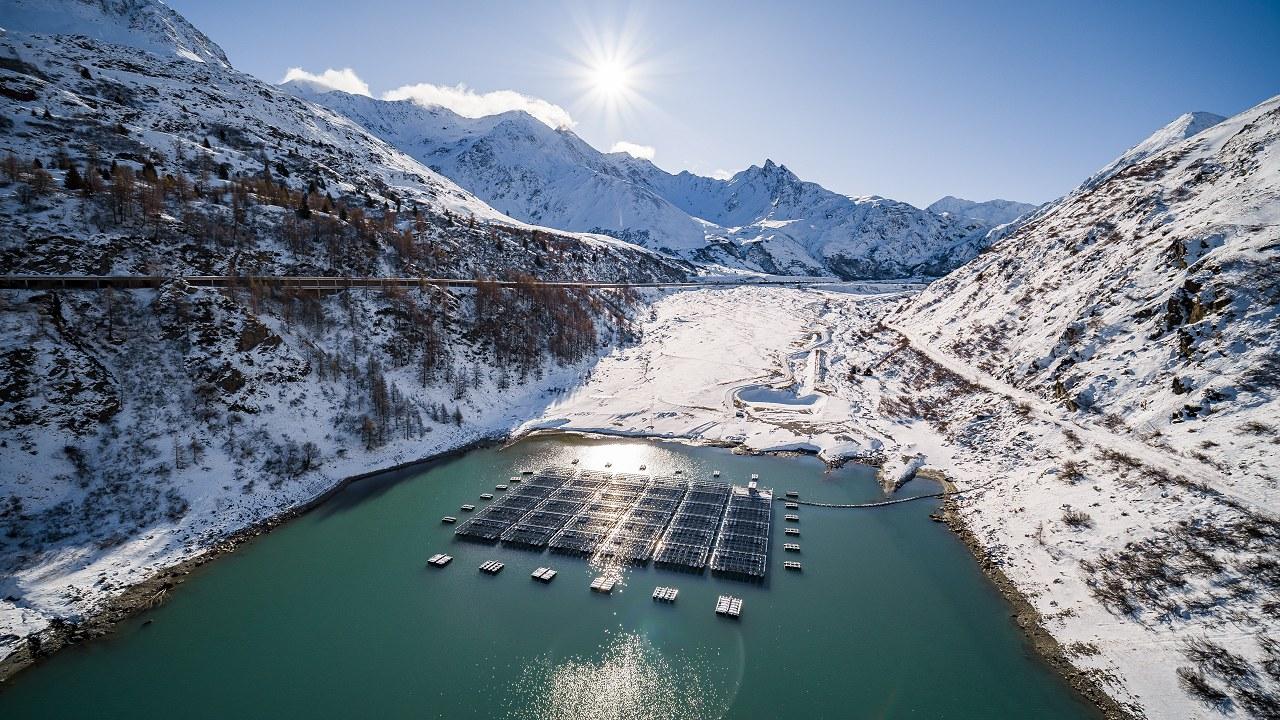 Die Pilotanlage auf dem Lac des Toules (Foto: Romande Energie)