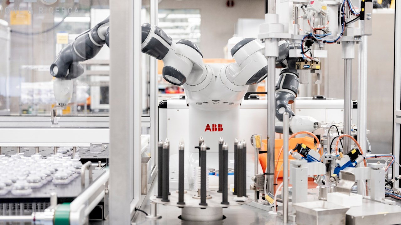Робот YuMi помогает производителю кардиохирургического оборудования достичь высочайшего уровня качества и безопасности