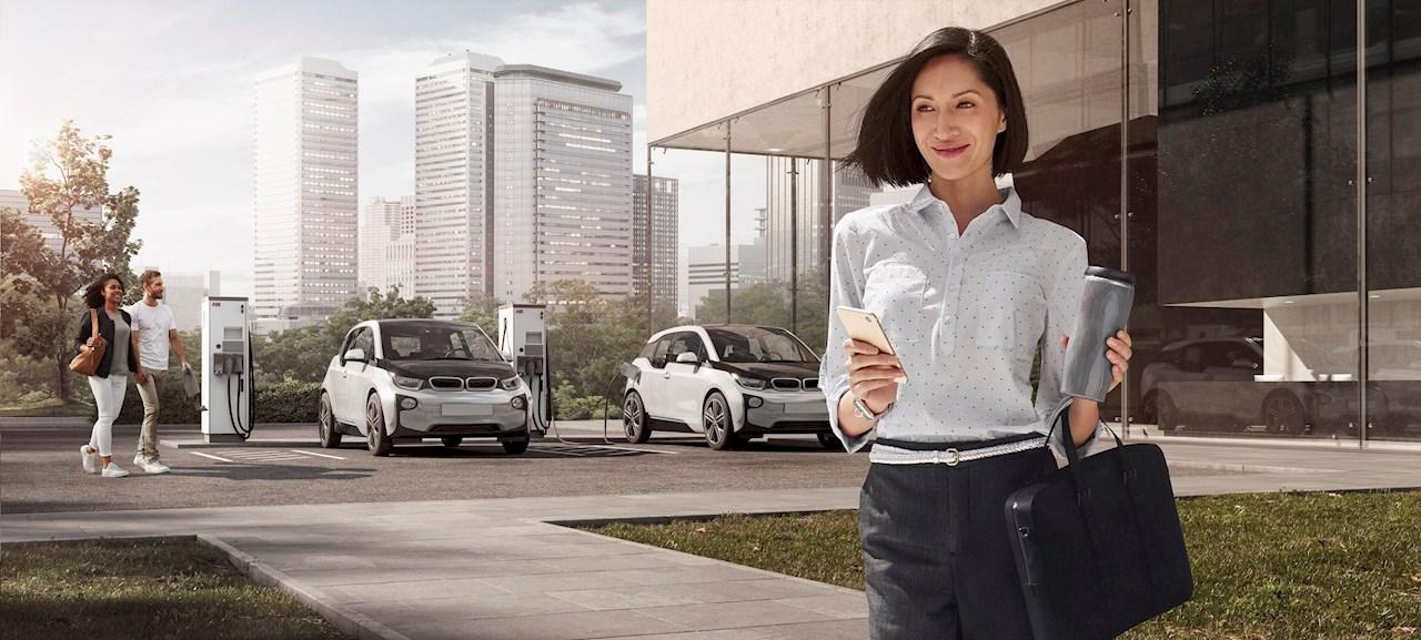 """Az ABB """"Elektromos Járművek Világnapjá""""-val készül az e-mobilitás megünneplésére"""