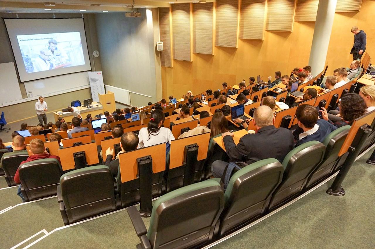 ABB Engineering Masterclass loengusari TalTech'is. Loengusari toimus ka Tallinna Tehnikakõrgkoolis ja jätkab oma teekonda uuel õppeaastal taaskord TalTech'is.