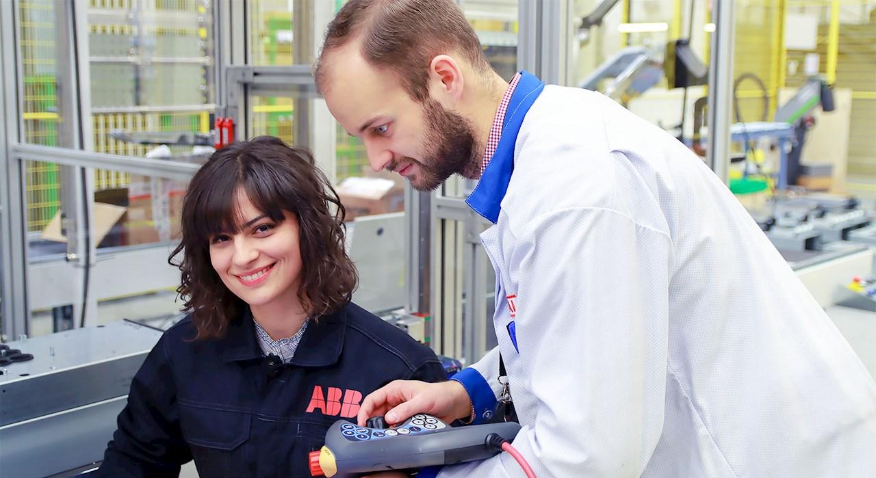 Lisaks kõigele oli Andrijana ka Tallinna Tehnikakõrgkoolis toimunud ABB loengusarja üheks lektoriks ja kaanestaariks.