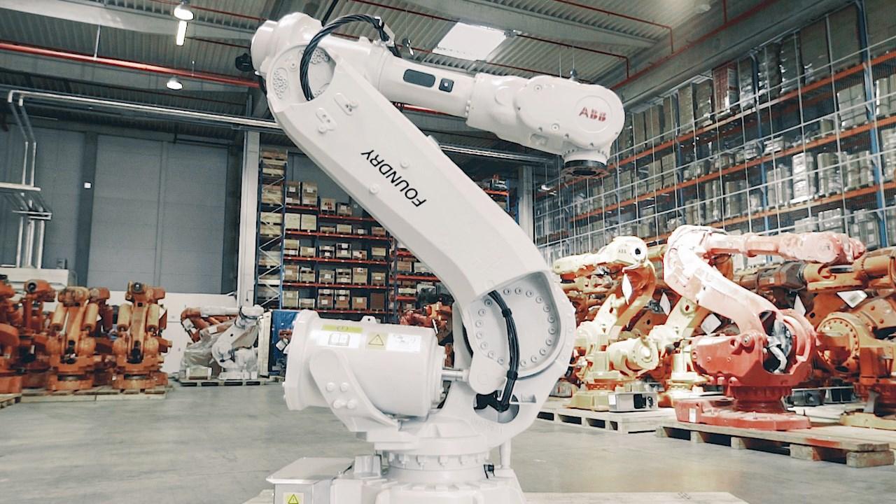 Con ABB, la produzione diventa più sostenibile grazie al riciclo e alla rifabbricazione di migliaia di robot usati