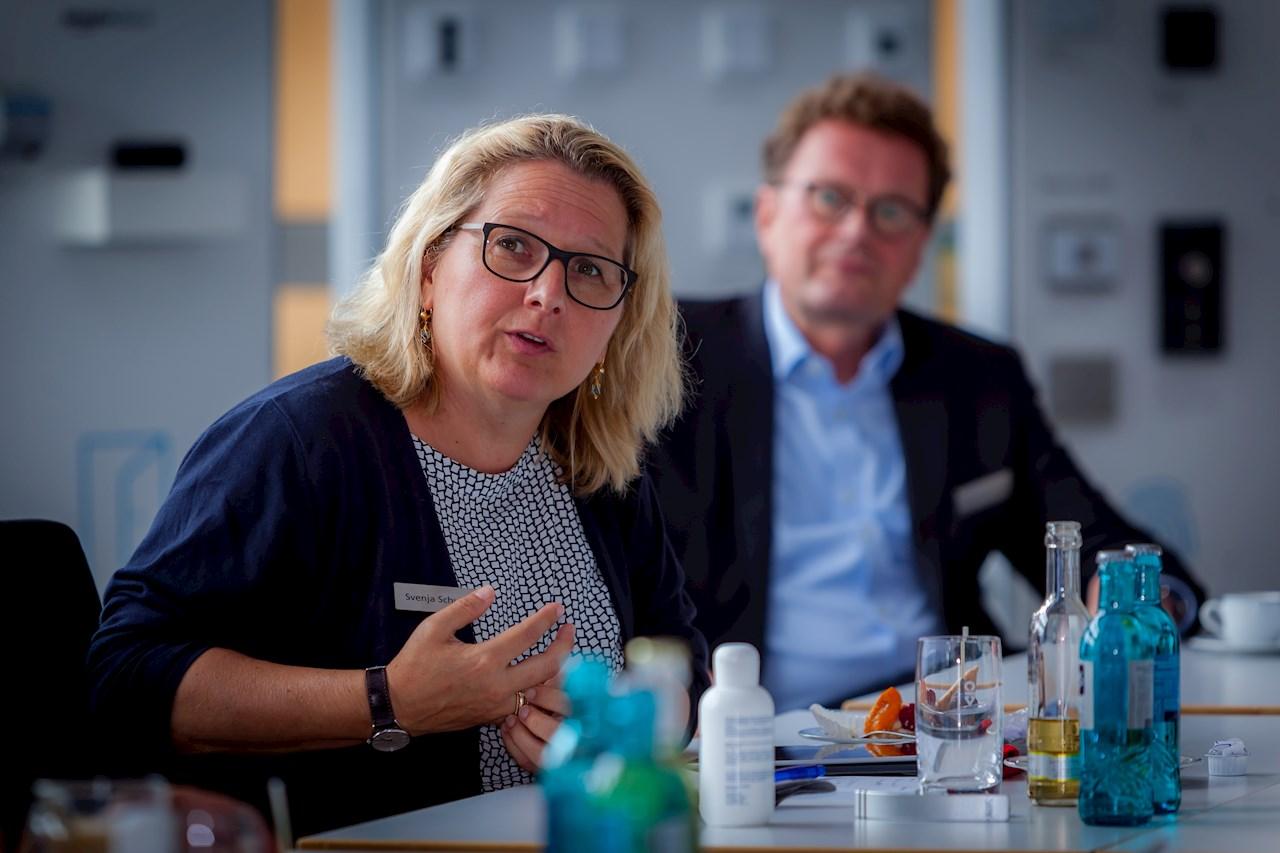 """Beeindruckt zeigte sich Umweltministerin Svenja Schulze von dem Projekt """"Mission to Zero"""". Foto: ABB"""