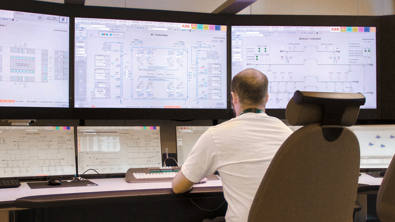 04b ABB Ability™ Data Center Automation allows comprehensive monitoring and control of extensive data center facilities from a single point. The central control node at Ericsson's Global ICT Center is shown here.