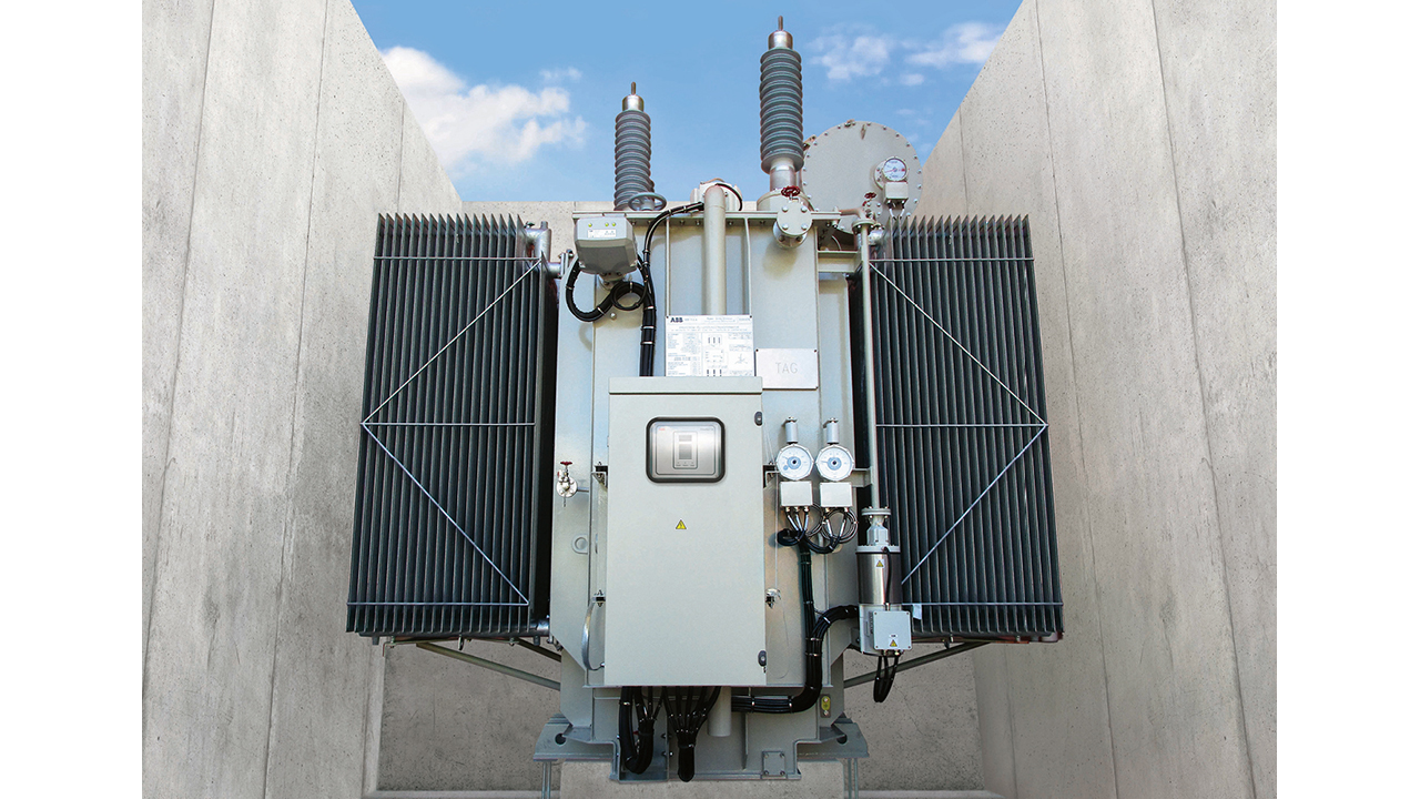 04 Digital gas insulated switchgear uses 30 percent less physical space than comparable systems in traditional substations. Pictured: the TXpert™ Power Transformer.