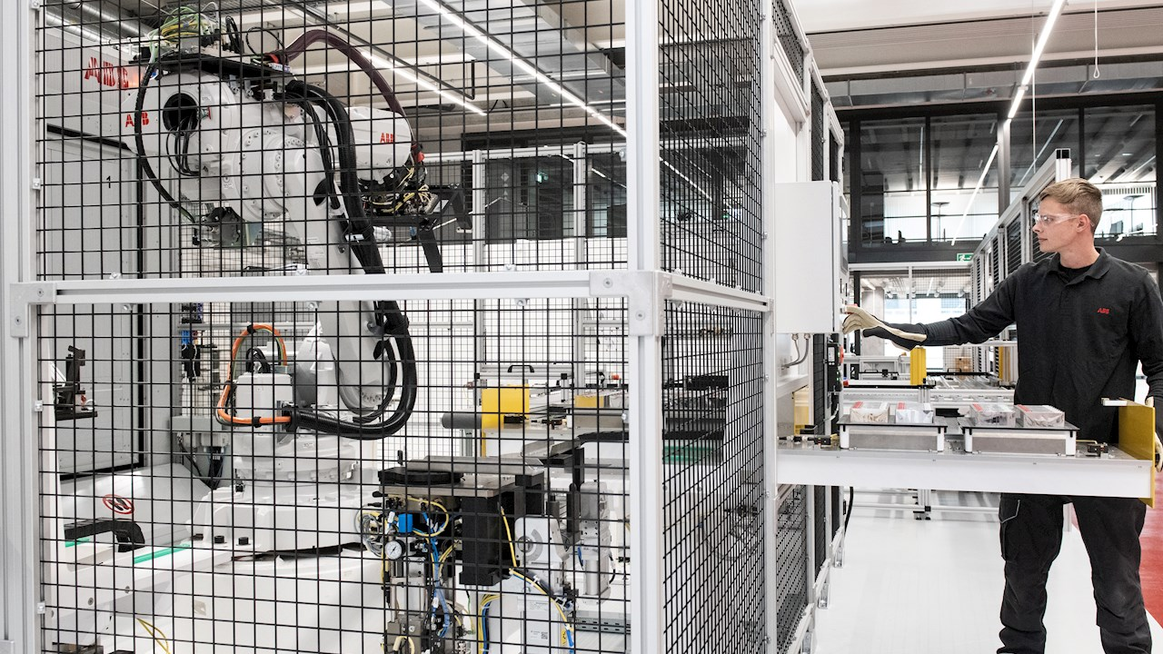 Robots pave the way for sustainable mobility at ABB