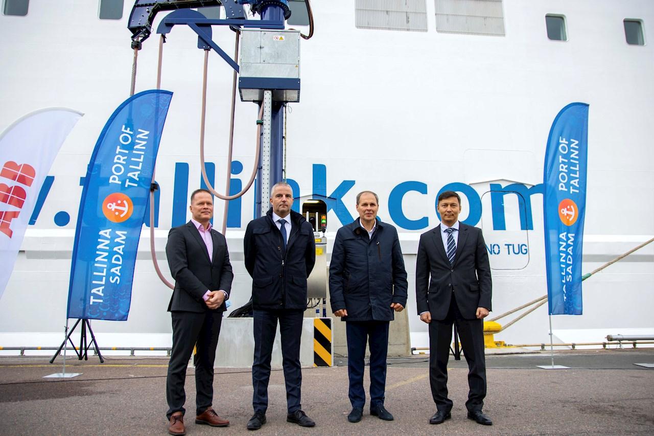 Vasakult: ABB Balti riikide juht Jukka Patrikainen, Tallink Grupi juhatuse esimees Paavo Nõgene, Tallinna Sadama juhatuse esimees Valdo Kalm ja Tallinna linnapea Mihhail Kõlvart.