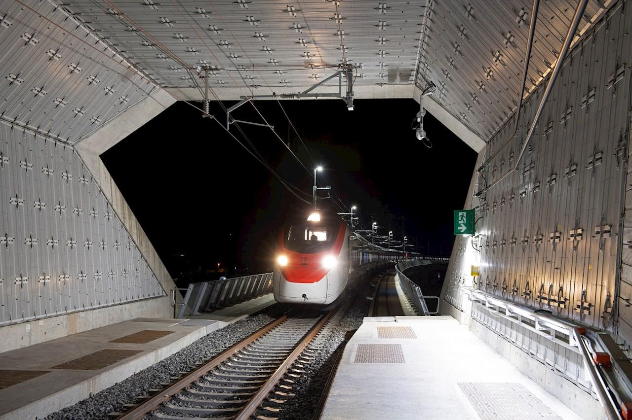 Il Giruno in un test drive attraverso il tunnel di base del Ceneri ©SBB CFF FFS