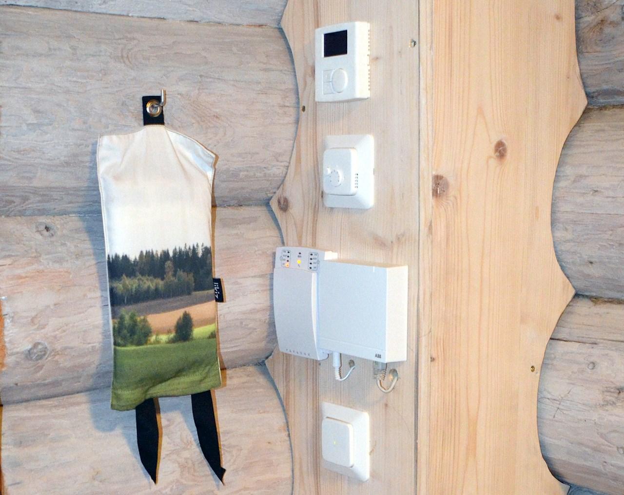 Free@home-järjestelmän avulla voi etäohjata Viron loma-asuntoa Suomen kodista käsin.