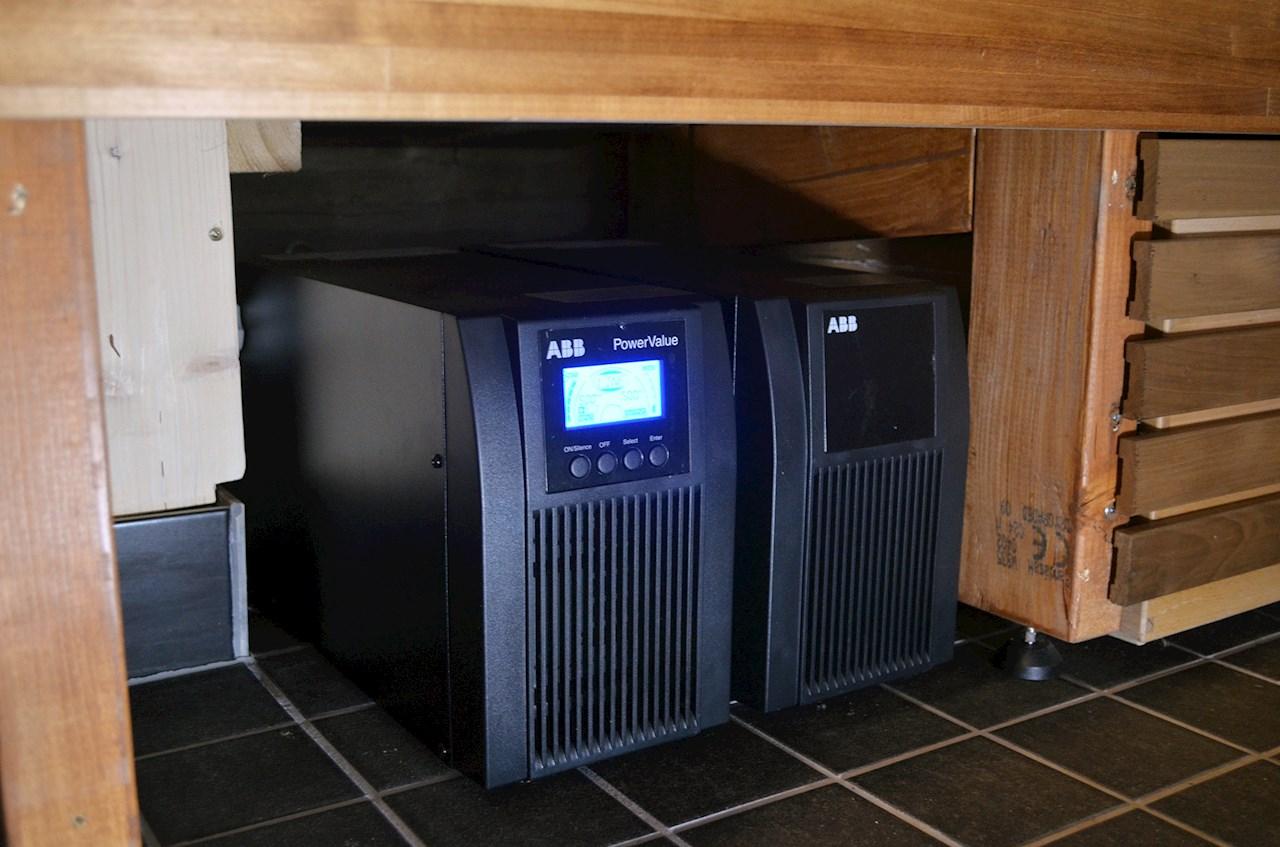 ABB:n UPS-laite varmistaa sähkönsyötön loma-asunnossa.