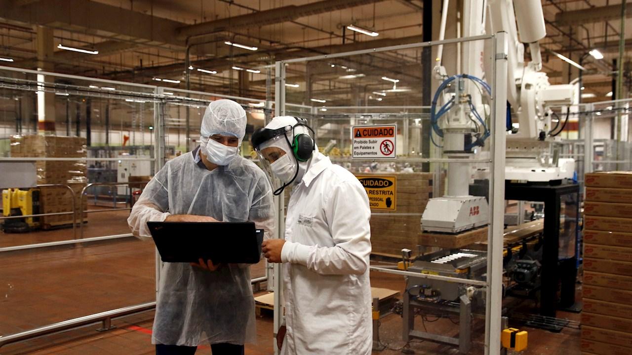 Solução inédita da ABB permite que robôs e pessoas trabalhem juntos e aumenta a produtividade em 53% na Nestlé Brasil