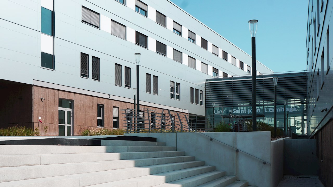 ABB puts reliable power first at milestone French medical facility