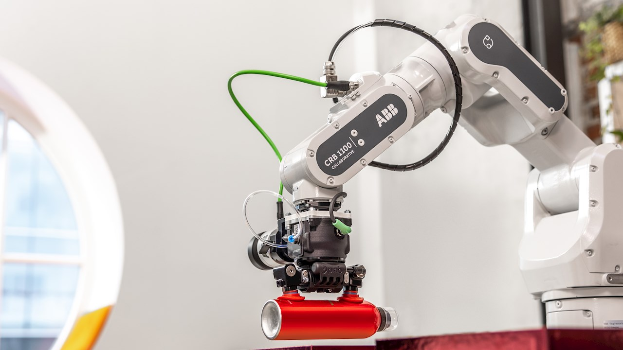 SWIFTI™ von ABB: neuer Cobot erledigt kollaborative Aufgaben in der Geschwindigkeit eines Industrieroboters