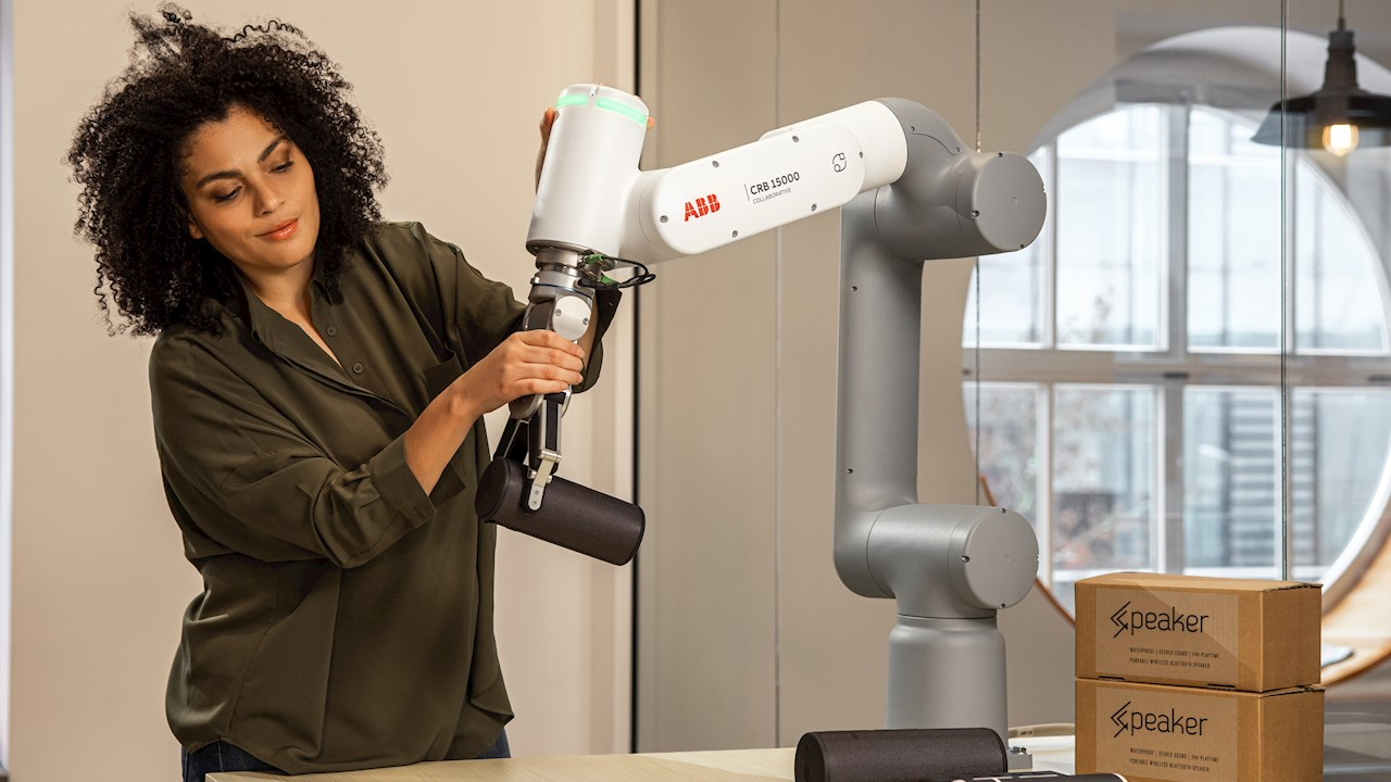 ABB lancia il cobot GoFa™ con capacità di carico più elevata per attività collaborative fino a 5 kg