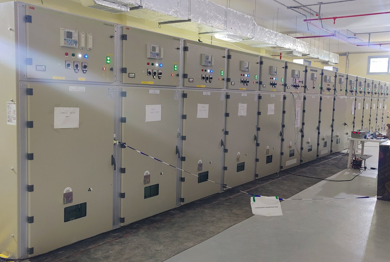 UniGear ZS3.2 medium-voltage switchgear with Relion protection relays