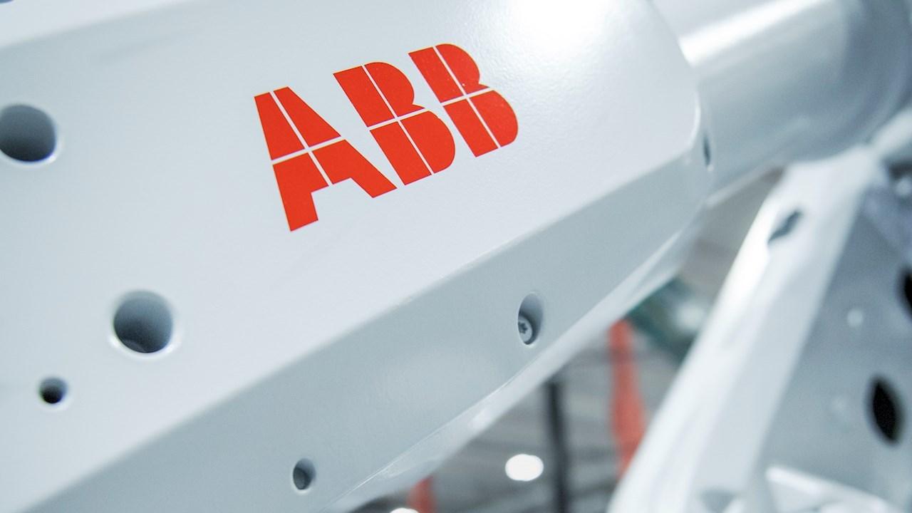 I nuovi robot ABB rendono i magazzini di ICA completamente automatizzati, a prova di futuro