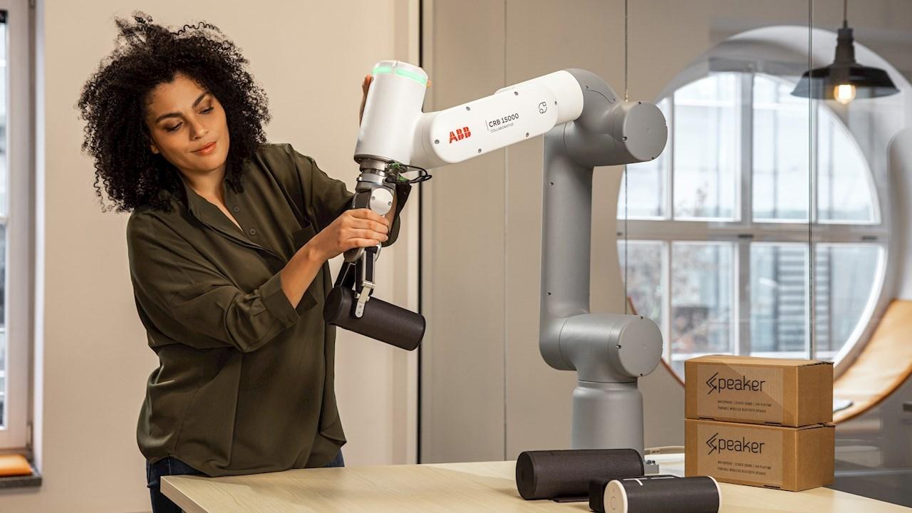 Nový kolaboratívny robot od ABB - GoFa™ - vyhral prestížne ocenenie Best of the Best Red Dot award