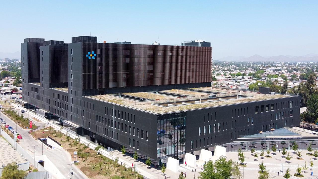 Hatékony a betegellátás a chilei kórház földrengésbiztos épületében az ABB eszközeivel
