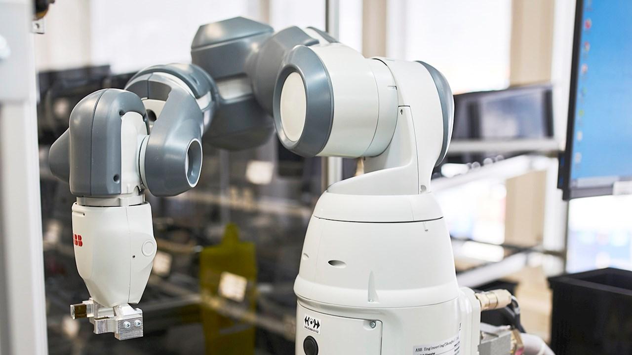 GE Healthcaren haastava kokoonpanosovellus automatisoituu ABB:n Single-arm YuMi® -cobotin avulla