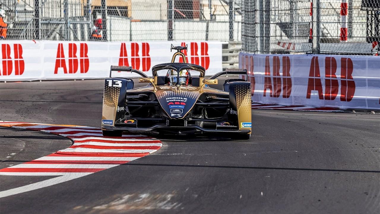 Le E-Prix de Monaco, spectaculaire, présente les progrès de la mobilité électrique