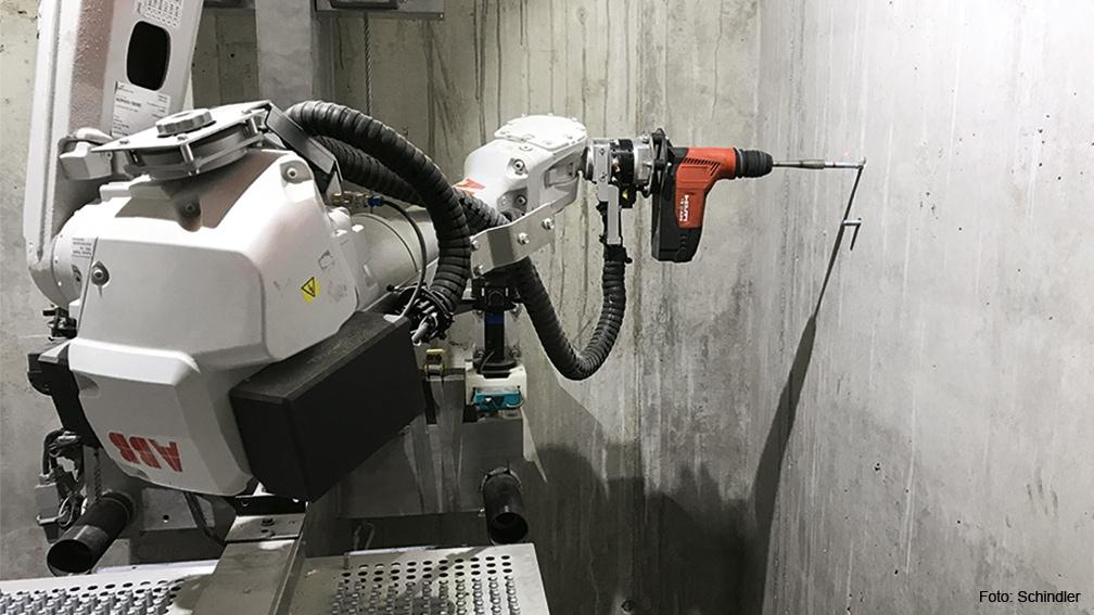 Der autonom arbeitende Bohrroboter von Schindler.
