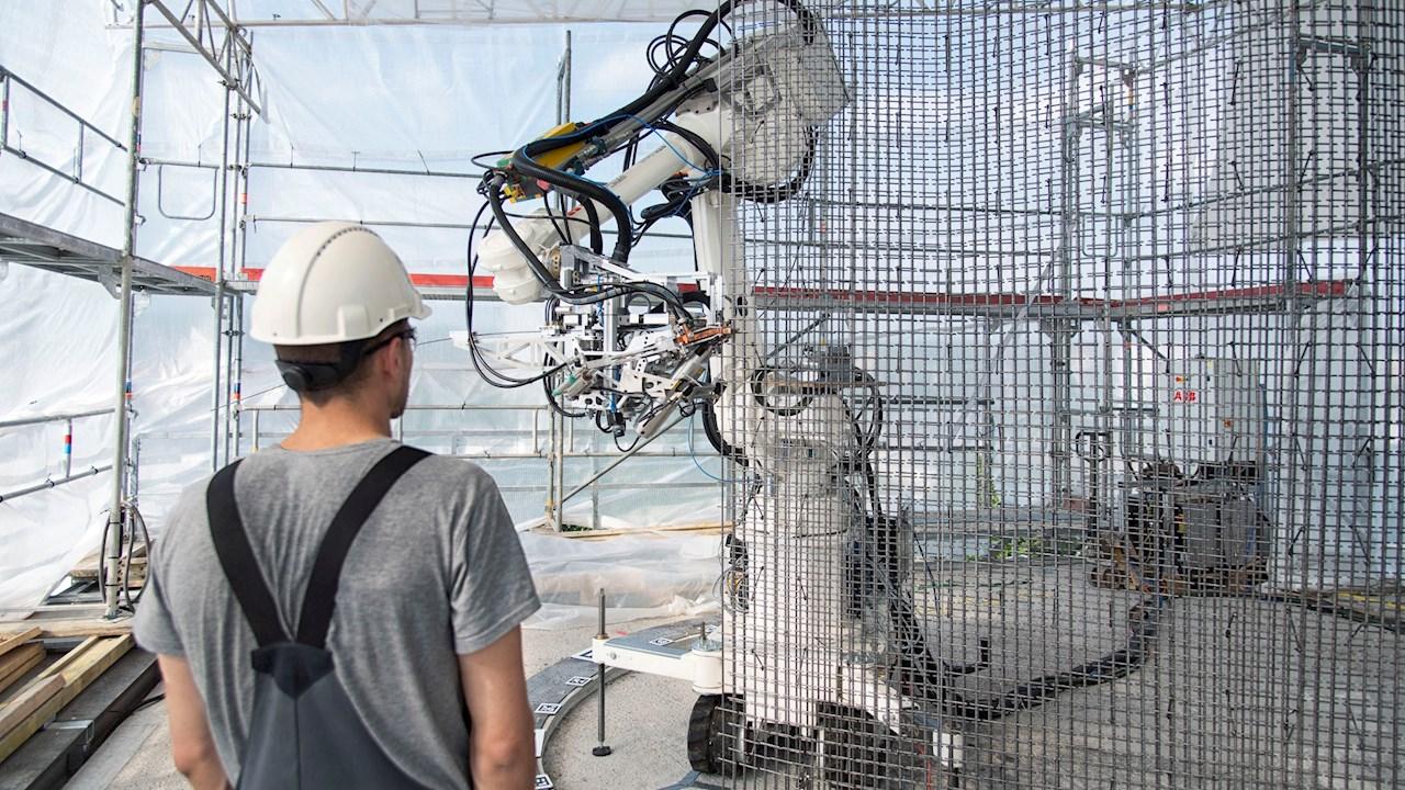 Az ABB Robotika üzletága elősegíti a biztonságosabb és fenntarthatóbb épületek építését szolgáló automatizálás térnyerését az építőiparban