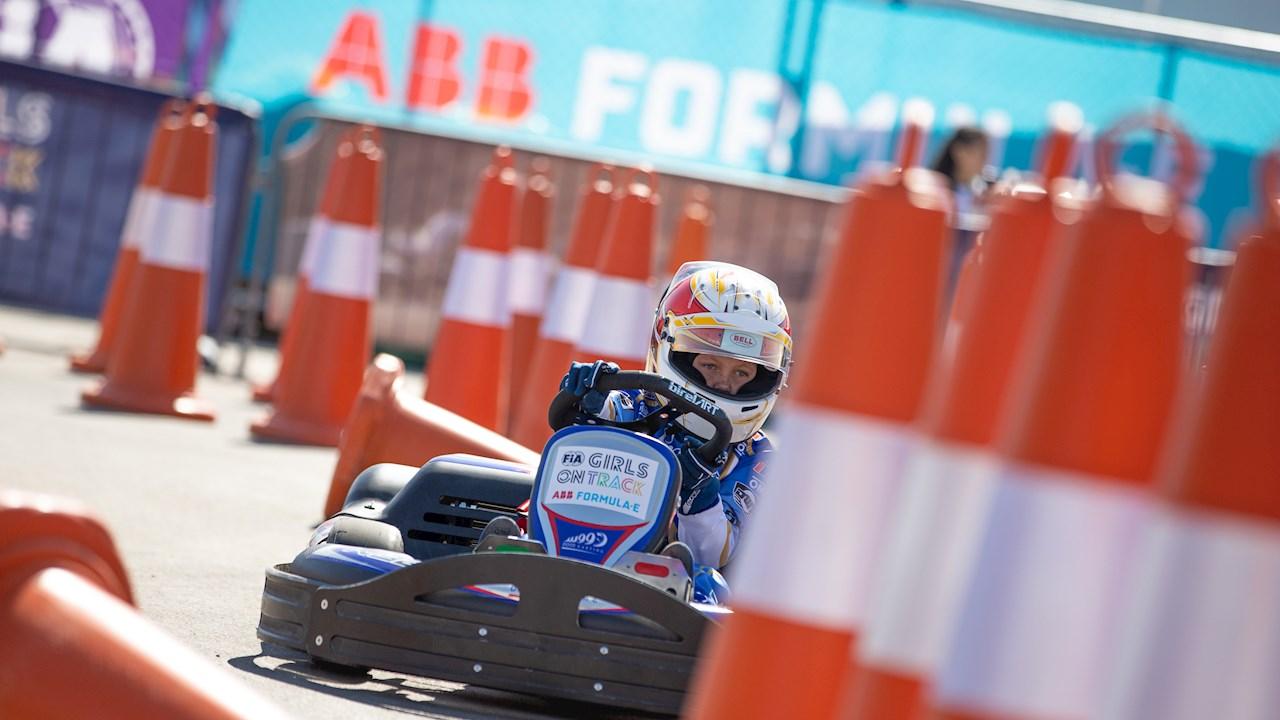 """ABB gibt globale Partnerschaft mit """"FIA Girls on Track"""" bekannt"""