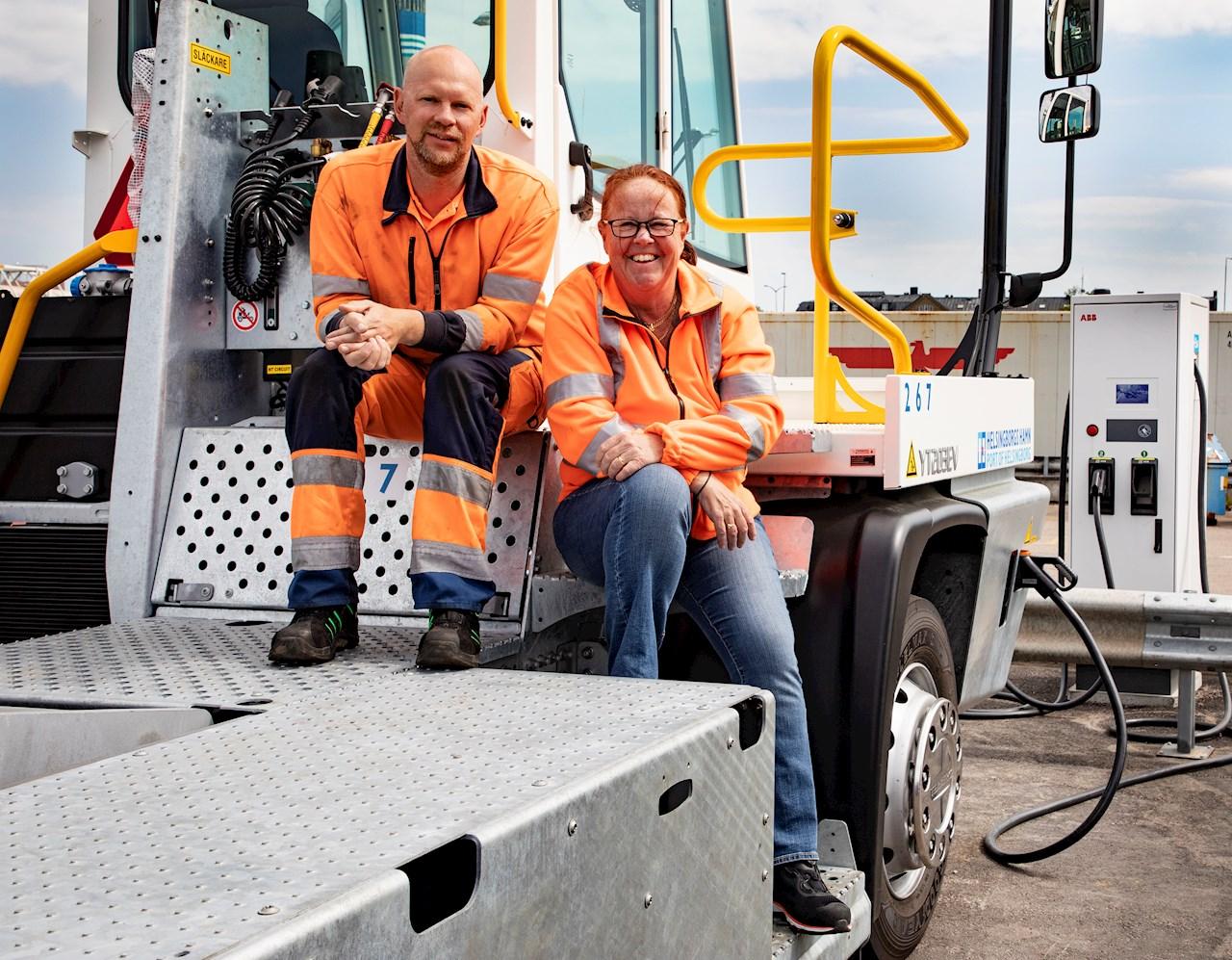Mats Lundqvist och Christina Argelius på Helsingborgs Hamn. Foto: Charlotte Carlberg Bärg