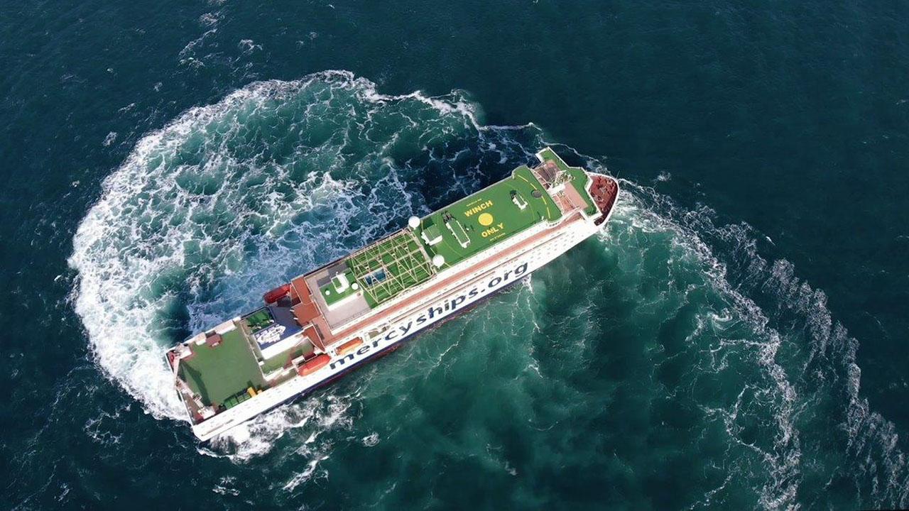 Sykehusskipet Global Mercy har ekstrem manøvrerbarhet som gjør at hun kan komme inn i lite tilgjengelige havner (Foto: Tianjin Xingang Shipyard)
