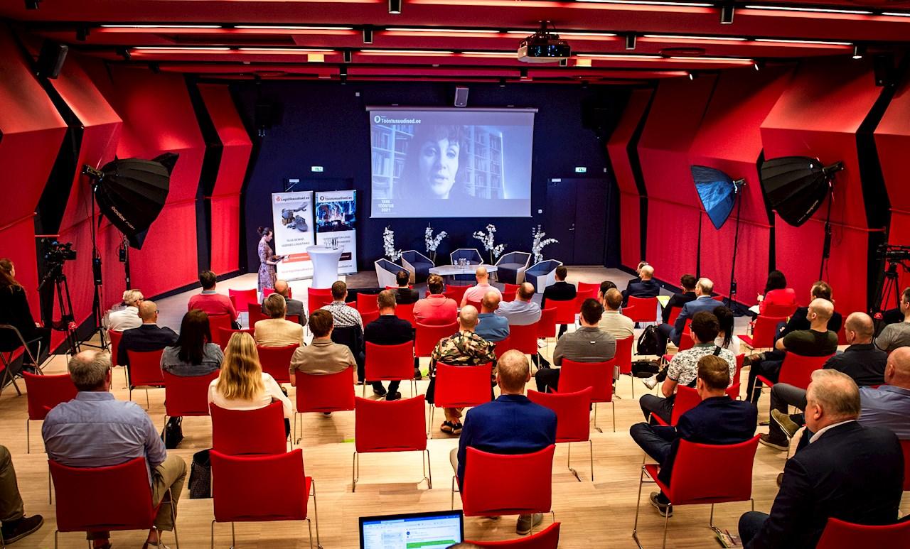 Konverents Tark tööstus 2021. Esineb ABB Grupi robootika ärivaldkonna turundus- ja müügijuht Marina Bill.