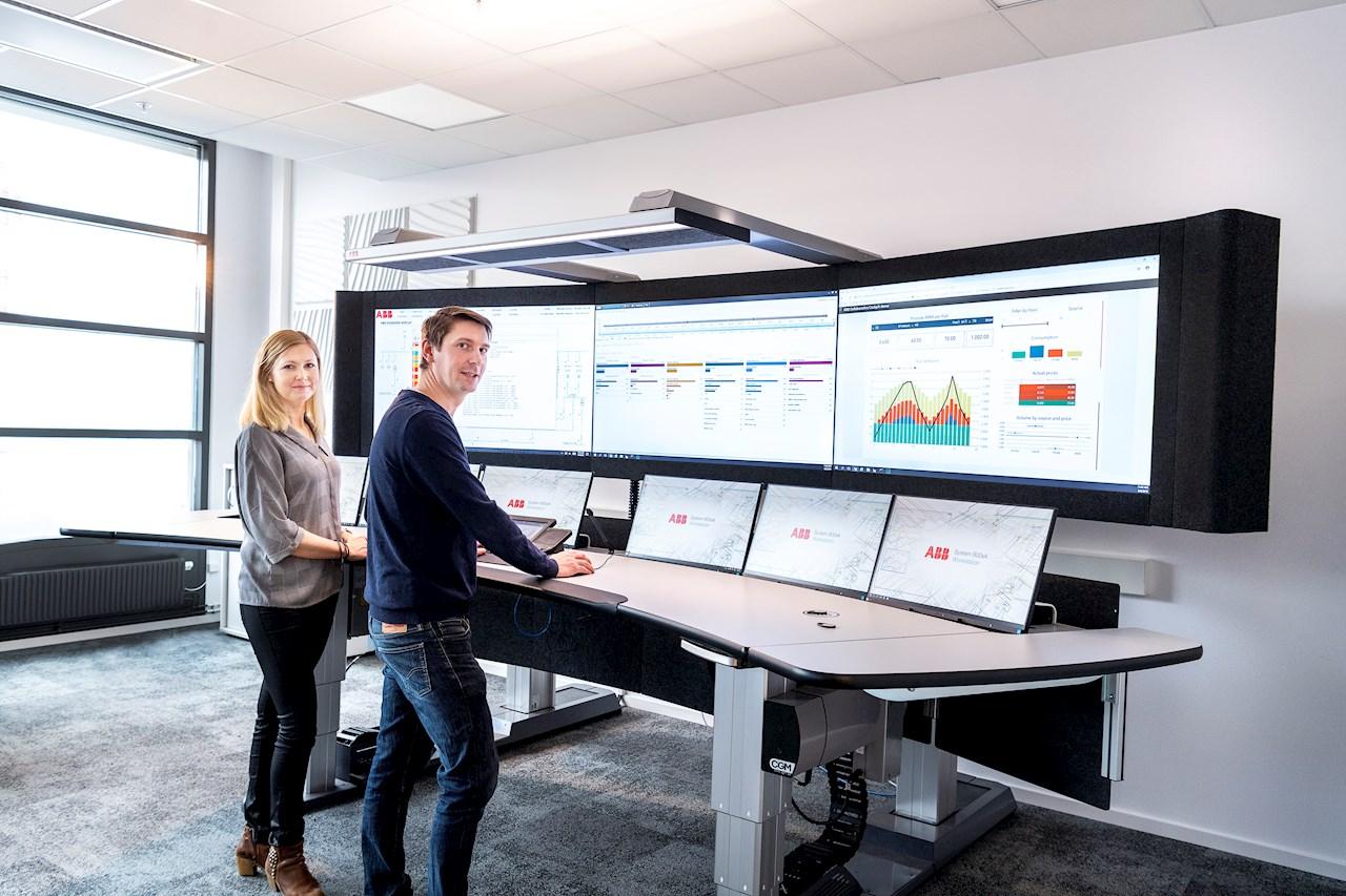 ABB supportar kunder både på plats och via digitala lösningar. Foto: Jonas Bilberg.