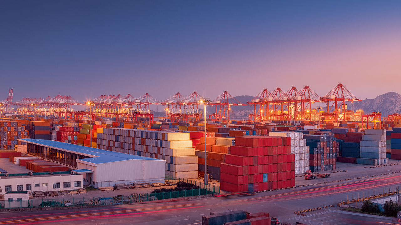 01 Ports have a crucial role to play in facilitating the reduction of shipping emissions.