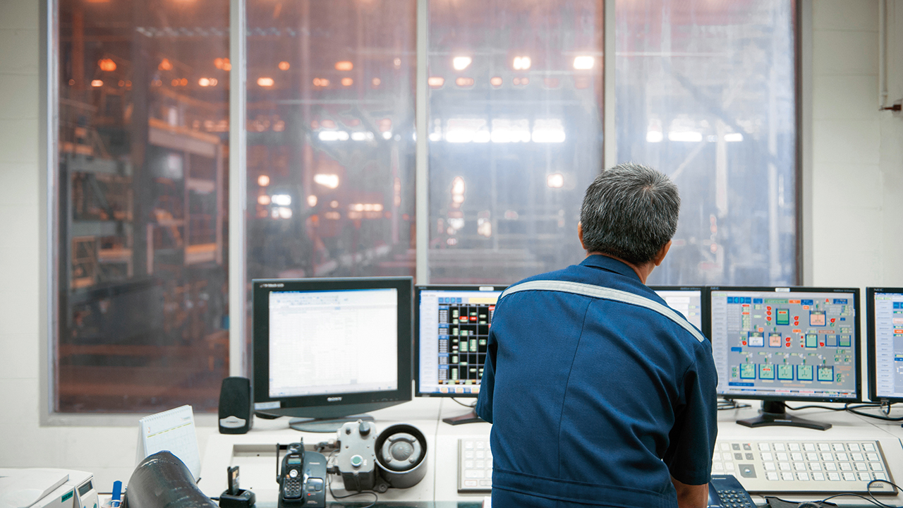 06 Because users not only need to view indicators of current equipment condition, ABB's innovative hybrid approach provides them with the basis to predict future conditions.
