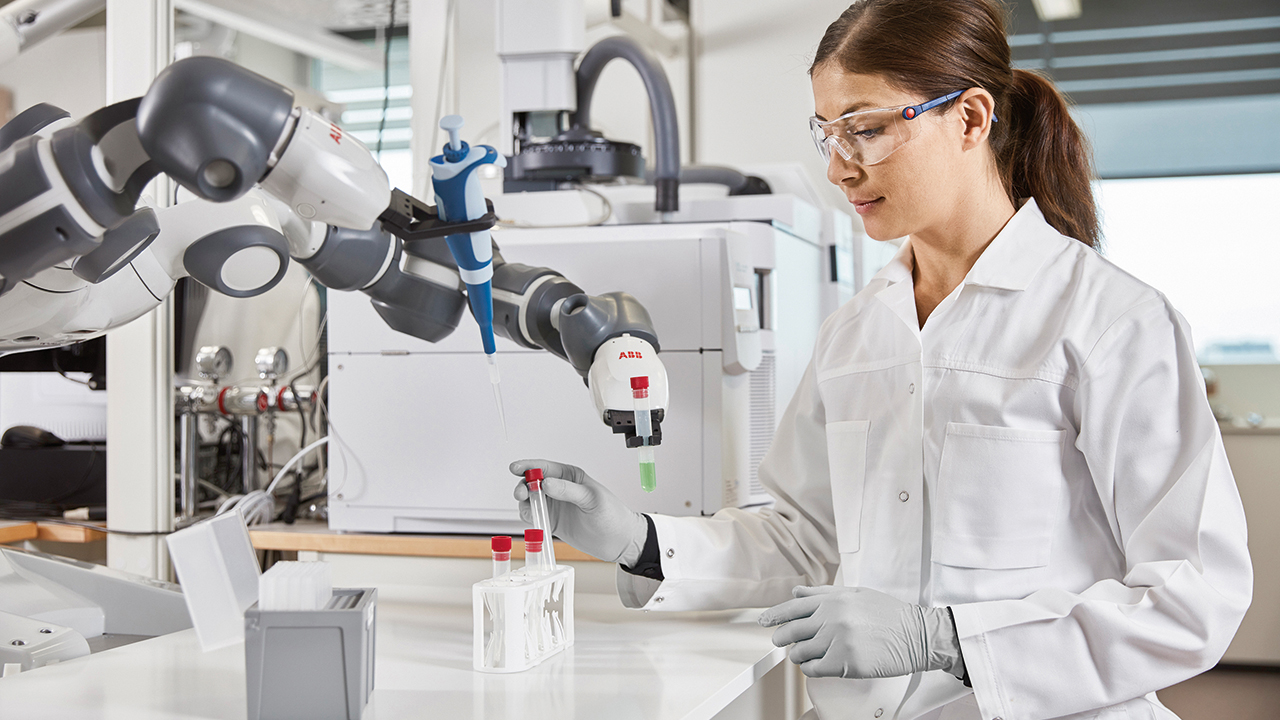 03 In hospital labs, many manual steps involving laborious, repetitive tasks can benefit from robot assistants.