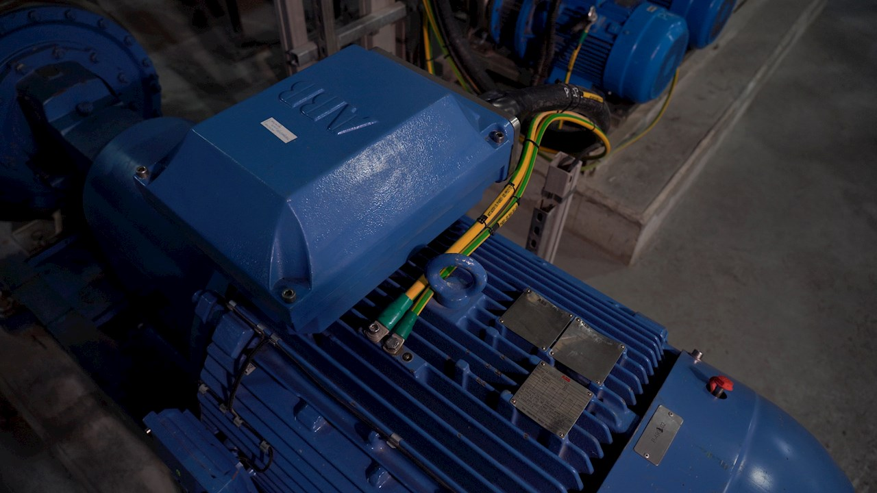 ABB energy-efficient motors, variable speed drives and switchgear are in operation throughout the Keppel Marina East Desalination Plant.
