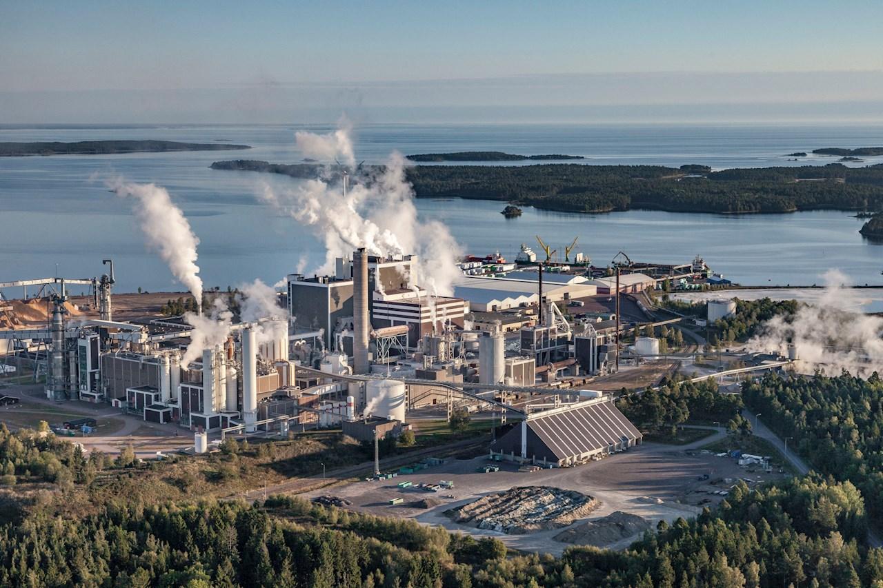 Södra Cell Mönsterås pulp mill in Sweden will benefit from ABB and Södra's strategic partnership for digitalization